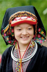 Exquisite Costumes of Dao Ethnic Women (part 2)