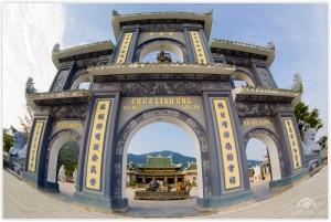 Visiting Ling Ung Bai But Pagoda, Da Nang