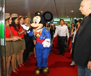 Mickey Mouse Travels Vietnam in 5 Days