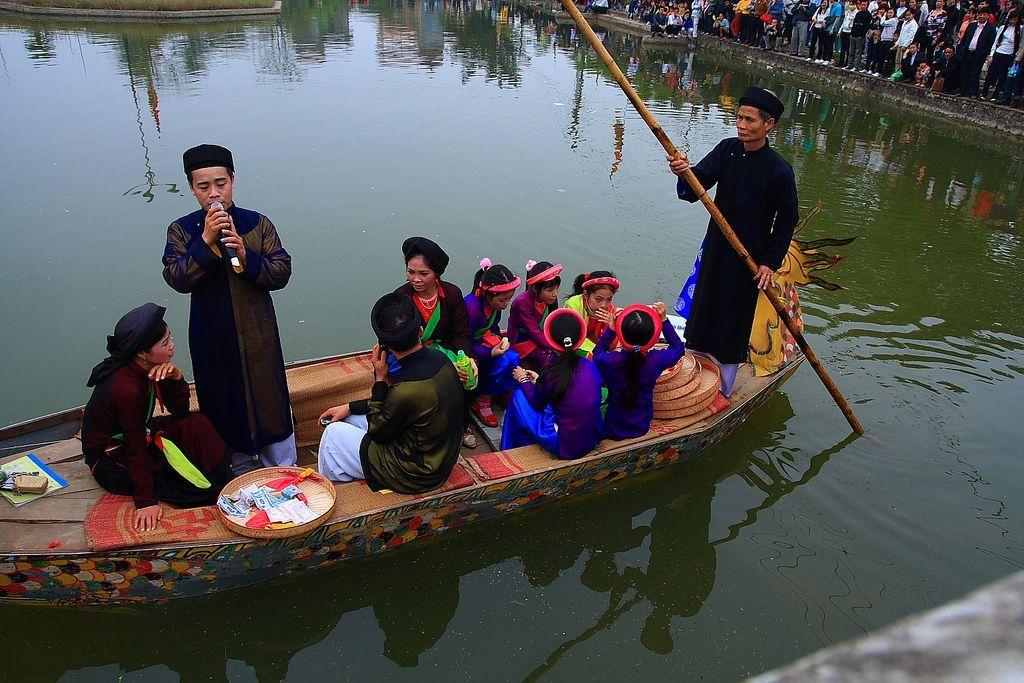 Quan-Ho-Bac-Ninh-Folk-Songs (7)