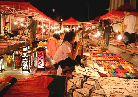Traveling-Can-Tho-The-Beauty-at-Tay-Do-Night-Market