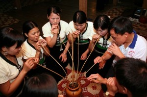 Experience Wine Culture of Vietnamese People