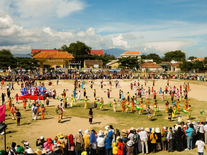Kate-Festival-of-Cham-People-in-Ninh-Thuan-Province3