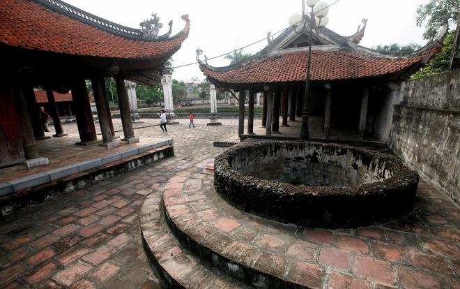 Famous-Communal-Houses-Doai-Area-9