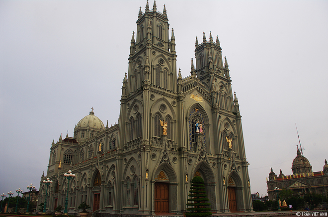 Spectacular-Churches-Nam-Dinh-3