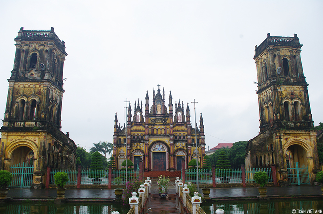 Spectacular-Churches-Nam-Dinh-4