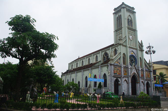 Spectacular-Churches-Nam-Dinh-6