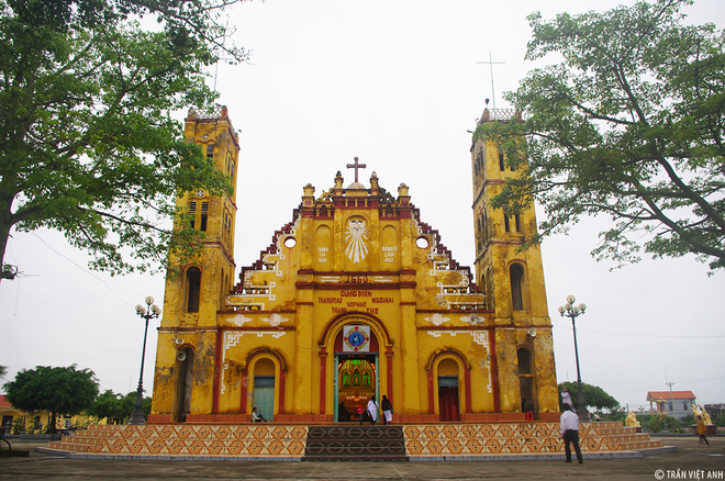 Spectacular-Churches-Nam-Dinh-8