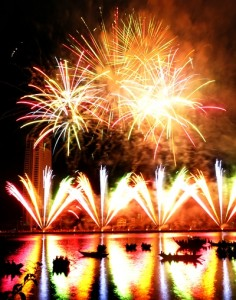 300- 500 Thousand VND For Fireworks Tickets In Da Nang Stand 2015
