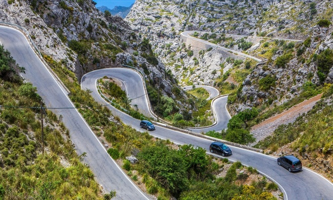 Hai-Van-Pass- One-Of-10-Great-Scenic-Drives-Around-The-World (2)