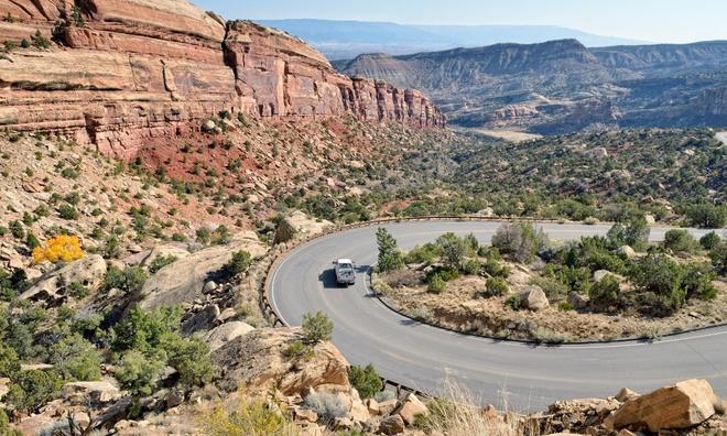 Hai-Van-Pass- One-Of-10-Great-Scenic-Drives-Around-The-World (5)