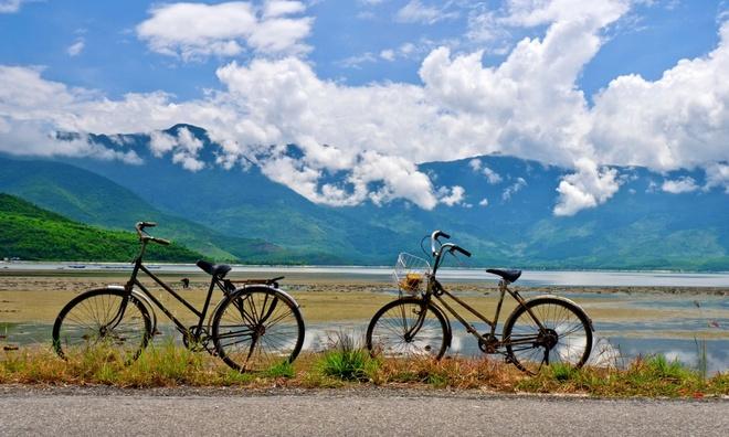 Hai-Van-Pass- One-Of-10-Great-Scenic-Drives-Around-The-World (8)