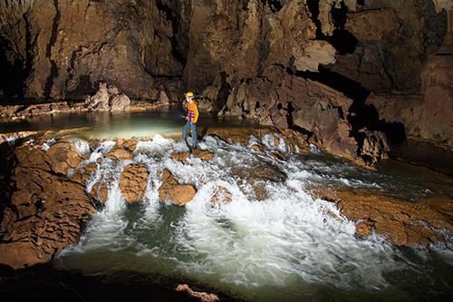 tu-lan-cave (3)