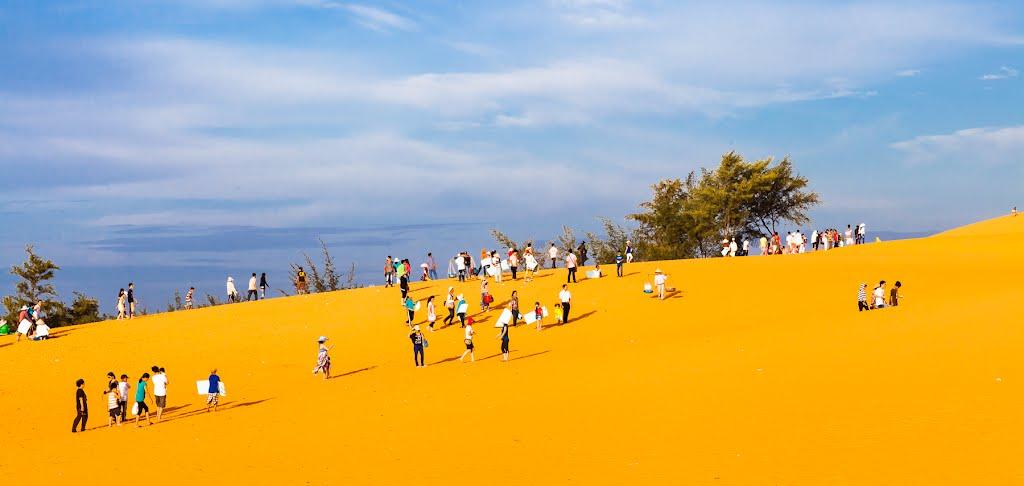 Mui Ne Immersed Blue Sea, White Sand, Golden Sunshine (3)