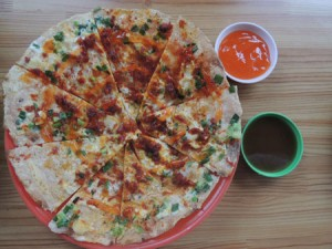 "Difficult To Resist Baked Rice Cake Flavor- ""Pizza"" Da Lat"