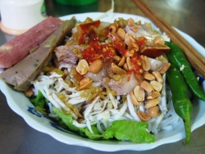 Tasty Da Nang Fish Noodle Soup (Bún mắm)