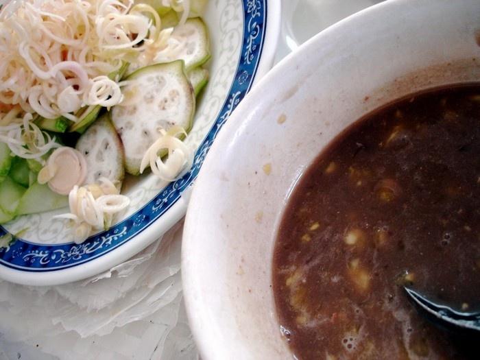 Da Nang Fish Noodle Soup (5)