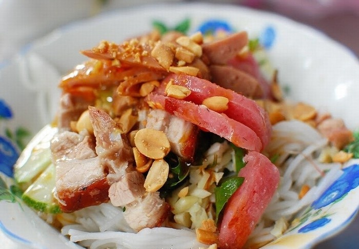 Da Nang Fish Noodle Soup (6)