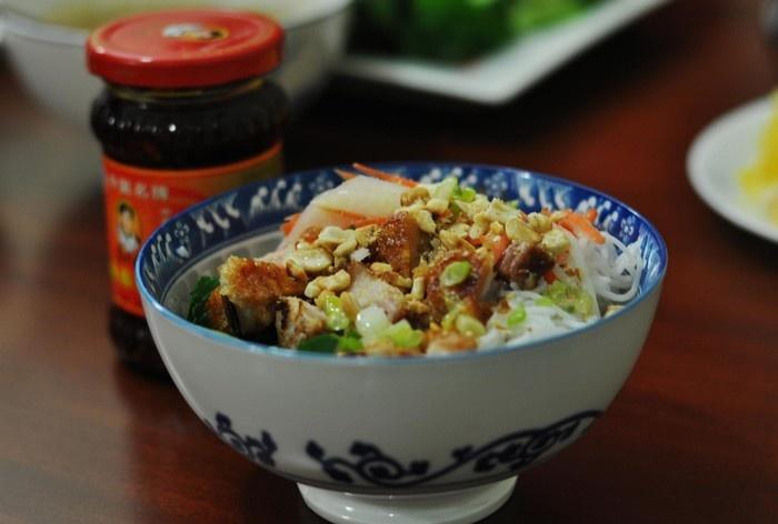 Da Nang Fish Noodle Soup (8)
