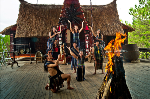 Travel Da Lat And Experience Gong Culture  (1)