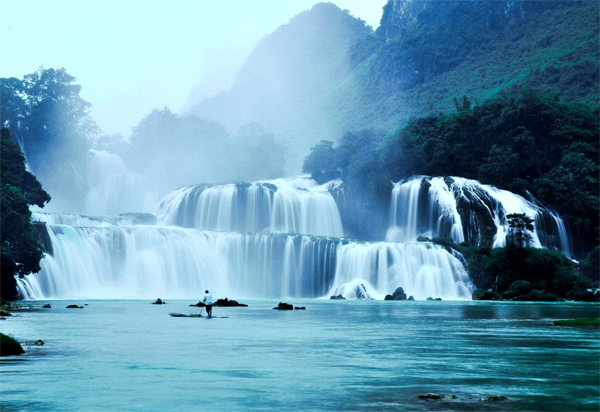 Ban Gioc One Of Ten World Most Beautiful Waterfalls (1)
