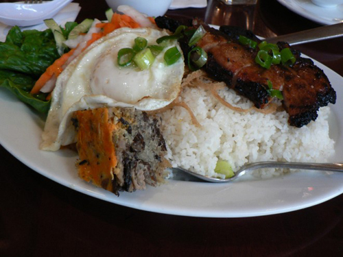 Roughguides Suggests Must-try Vietnamese Foods (10)