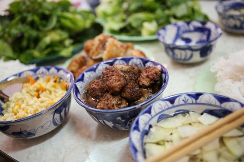 Roughguides Suggests Must-try Vietnamese Foods (4)