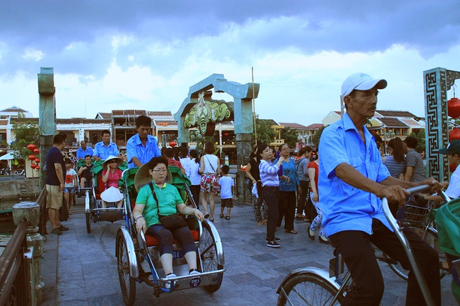 Simple And Attractive Beauties of Hoi An (11)