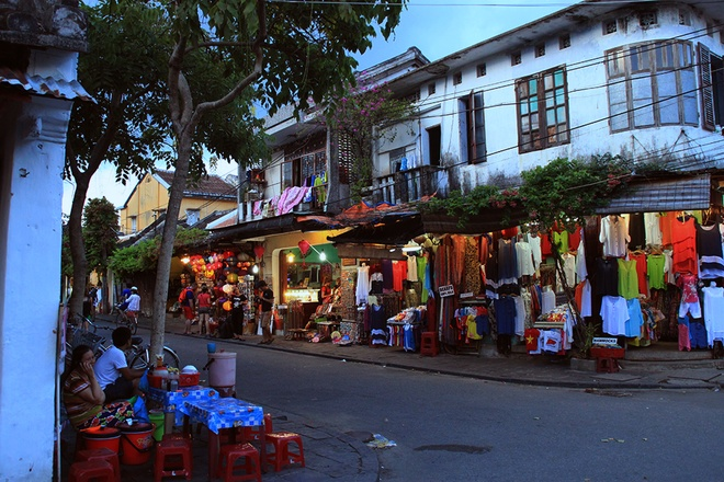 Simple And Attractive Beauties of Hoi An (4)