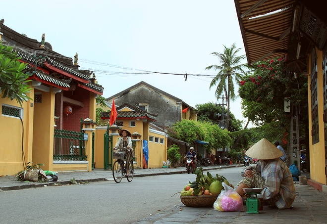Simple And Attractive Beauties of Hoi An (9)