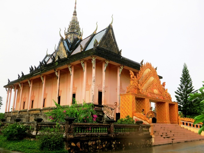 The Beauty of the Ancient Temples In Mekong Delta Region (1)