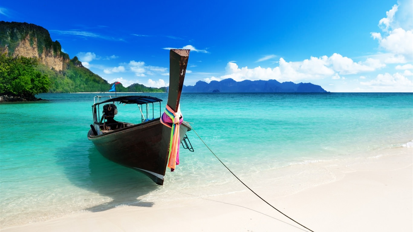 The-blue-beach-boat_1366x768