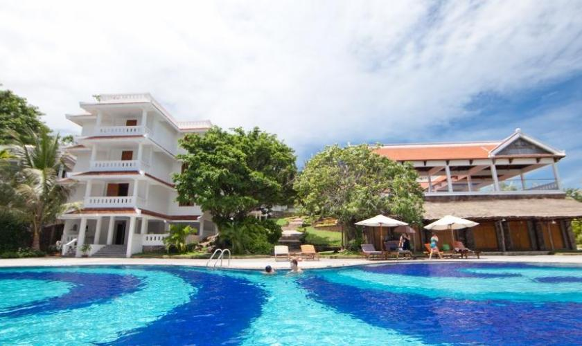long-beach-resort-phu-quoc-840-500-crop-1441942015