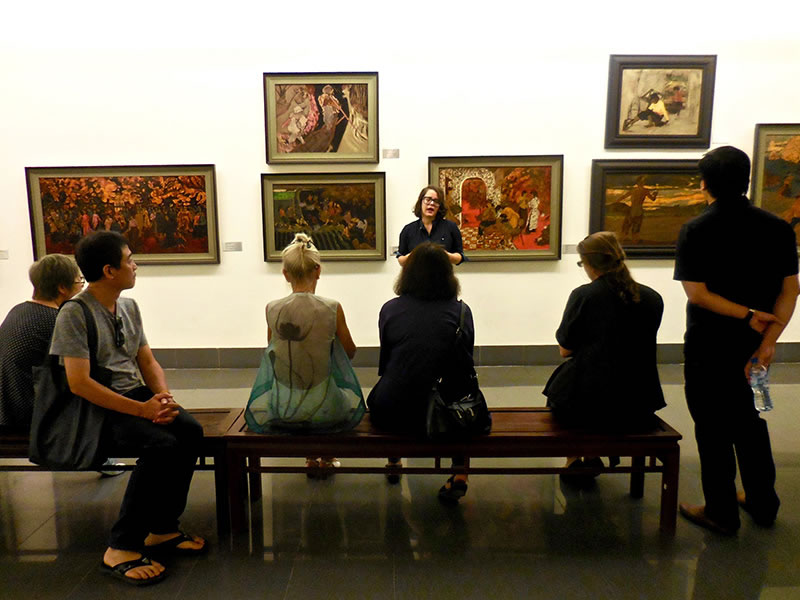 2-hanoi-art-gallery-free-tour