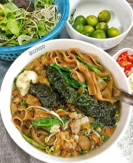 Bánh Đa Cua (Brown Noodles with Crab)