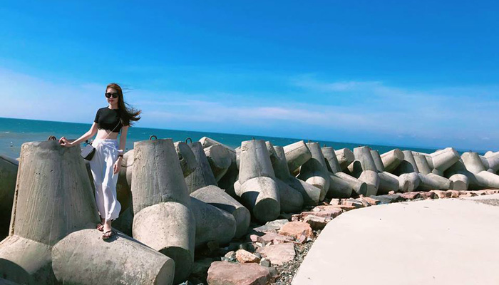 Ong Dia Rock Beach