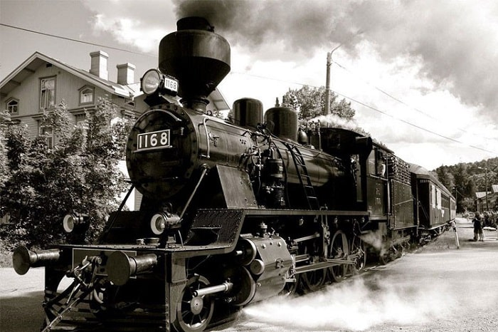 "The famous steam engine of ""the oldest railway station of Indochina""."
