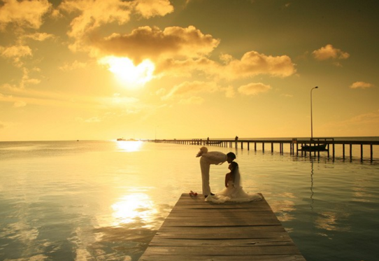 Some couple choose this place to take weeding photo.