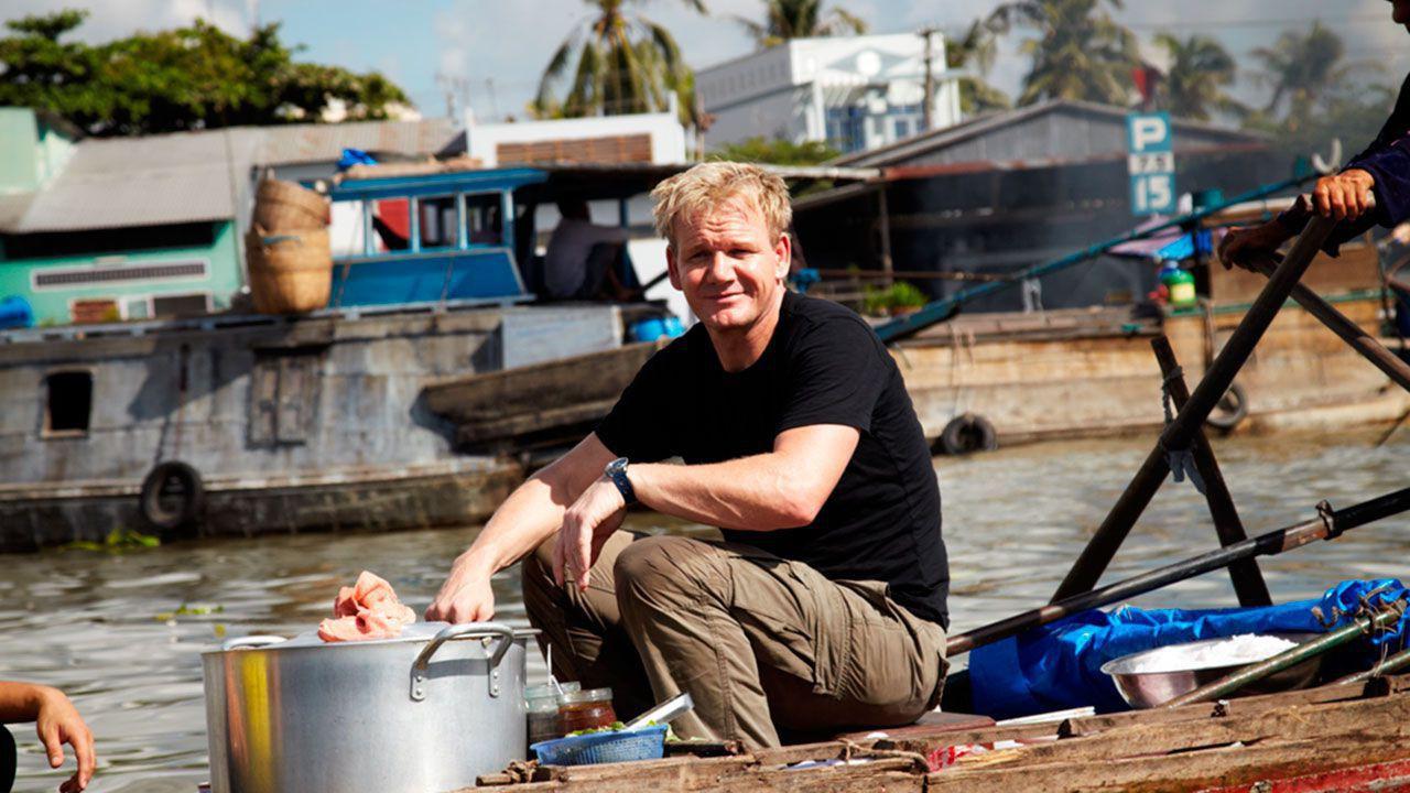 Gordon Ramsay visited Cai Rang floating market and ate hu tieu here