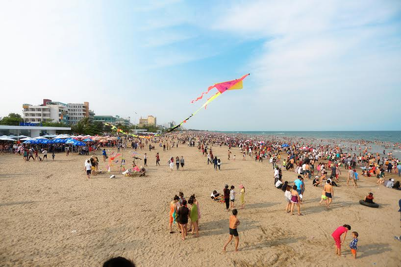 Sam Son beach is always attracted visitors during the summer.