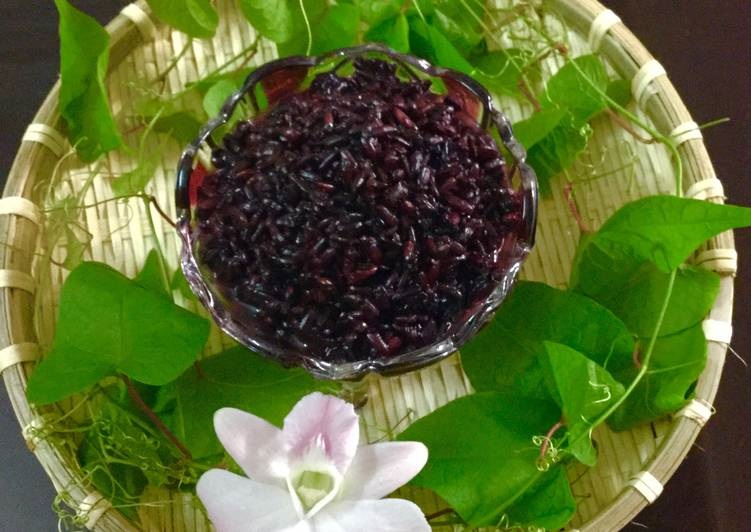 Also cai ruou, made from purple sticky rice