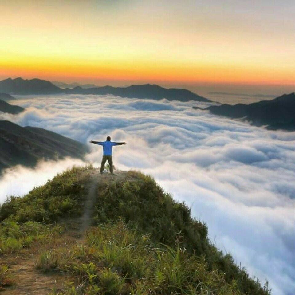 Stunning Ta Xua in the cloud sea