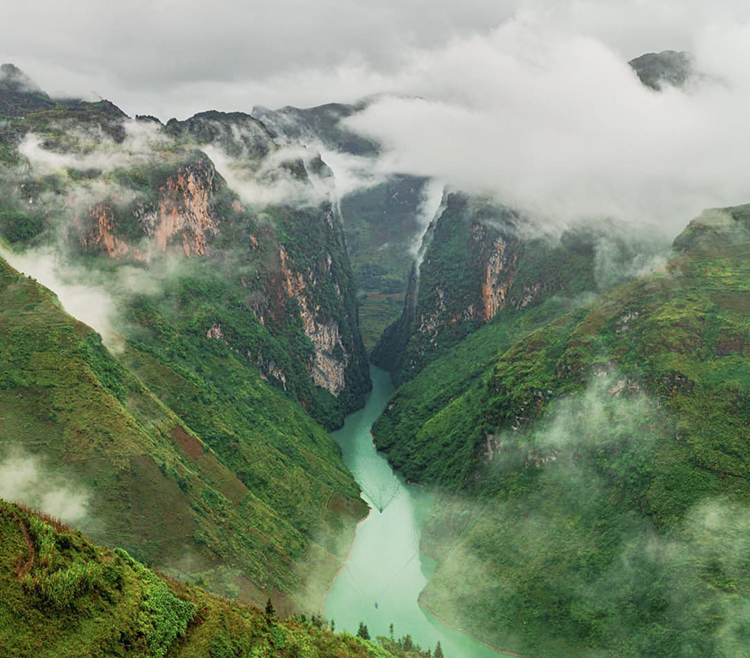 Nho Que river, the vein of Ha Giang