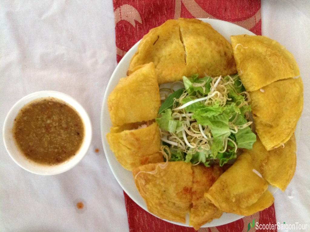 Banh Xeo is eaten with a special sauce with secret receipt
