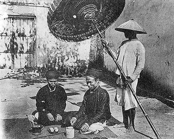 Confucians enjoy tea in the past